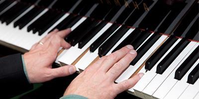 live-musician-piano1