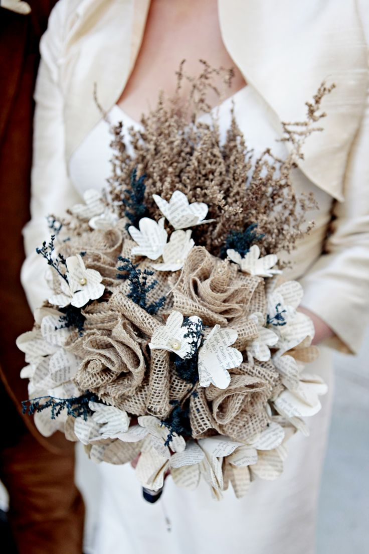 Burlap-Lace-Bouquets-for-winter-wedding