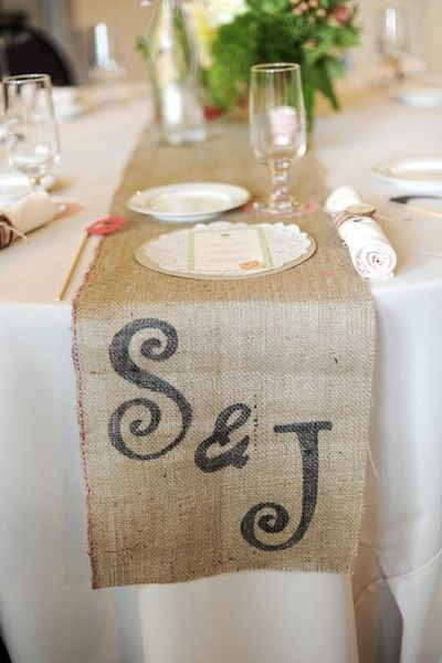 Burlap-runners-with-a-stenciled-monogram