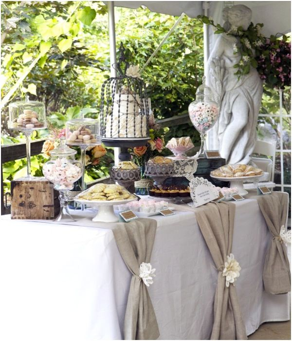 Chic-Rustic-Burlap-Wedding-Dessert-Table-Ideas