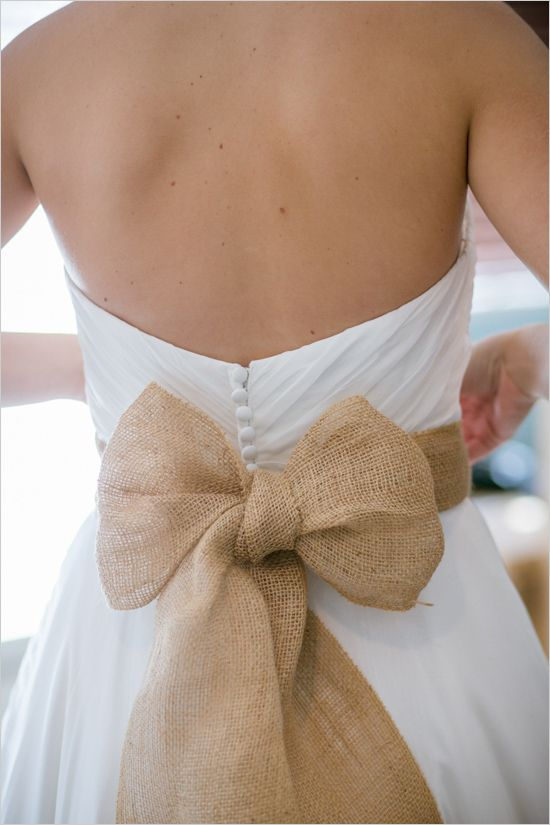 burlap-ideas-for-wedding-wedding-dress-with-burlap-bow