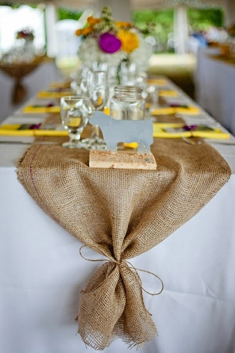 burlap-rustic-wedding-ideas-burlap-wedding-table-runners