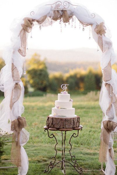 rustic-burlap-and-tulle-wedding-arch
