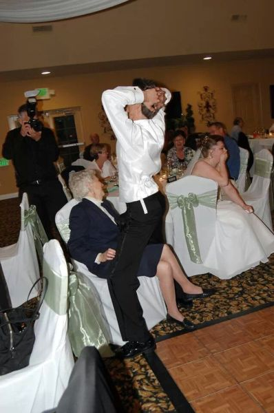 weird_and_wacky_wedding_fun_24
